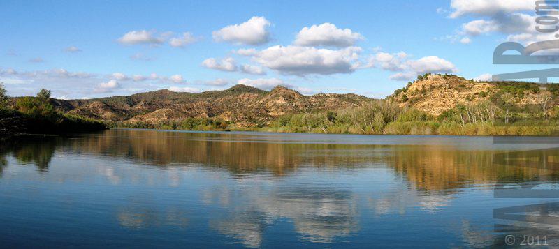 rio ebro riba roja panoramic view